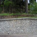 Подпорни стени от камък и дърво