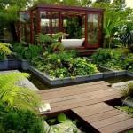 Баня в градината